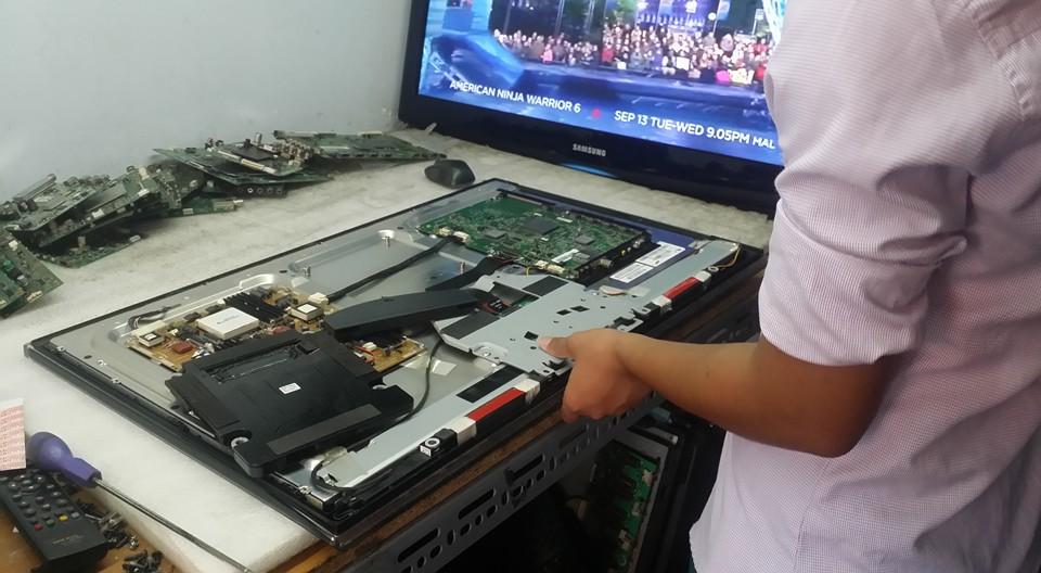 Sửa tivi uy tín tại Trần Điền nhân viên làm việc chuyên nghiệp